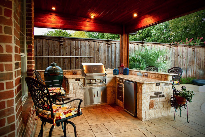 Richardson outdoor kitchen