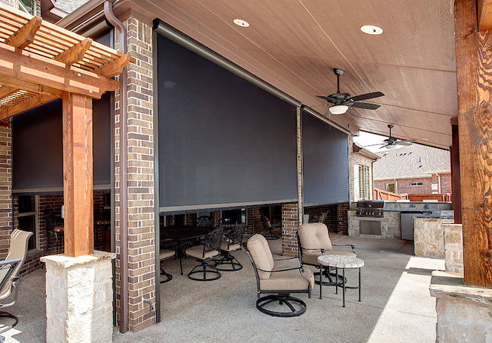 Retractable screens doors screened in porch in dallas tx for Dallas outdoor kitchens