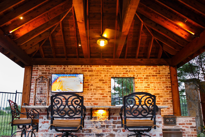 Outdoor Kitchen New Orlean Style