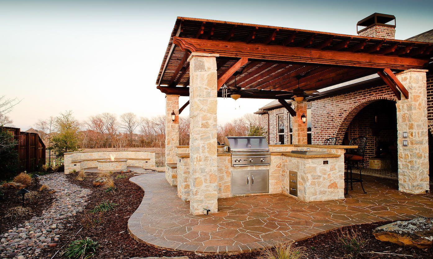 10 tips for creating perfect outdoor kitchen in the for Dallas outdoor kitchens