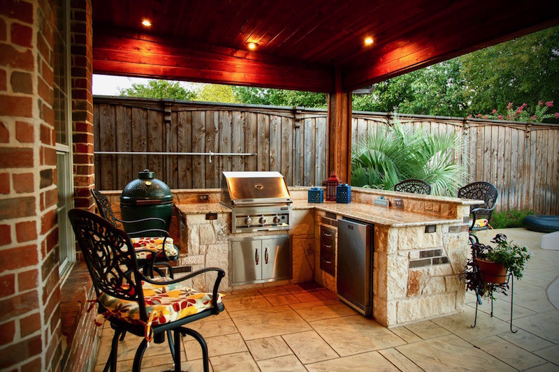 Kamado Style Charcoal Grills in Outdoor Kitchens - Dallas Outdoor ...